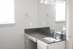 930 Flats bathroom
